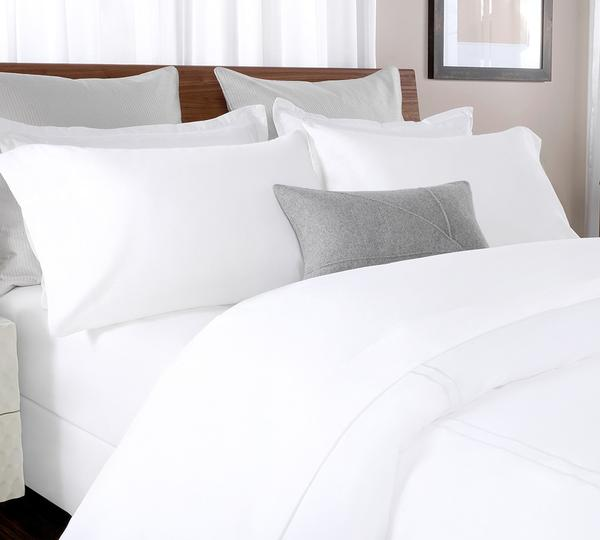 Take A Deep Sleep In Our Remarkably Soft Uniquely Woven Hundred Percent Cotton Percale Sheet Set The Color Pure White Good For Summers